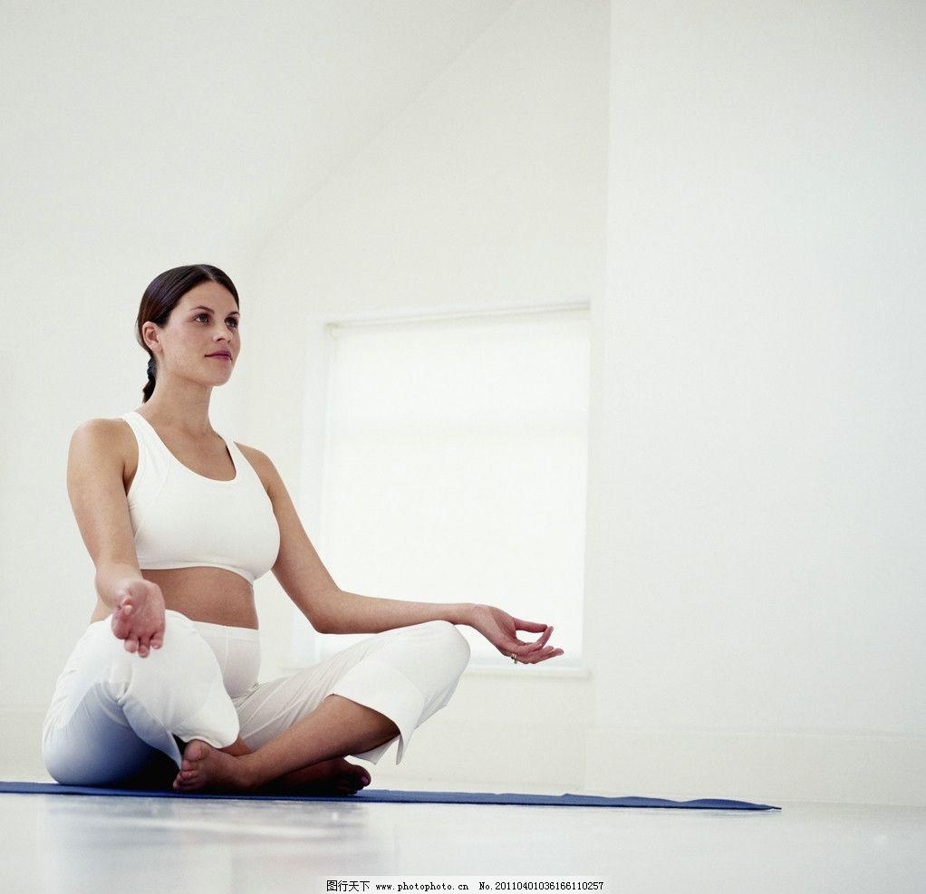 瑜伽美女图片_日常生活