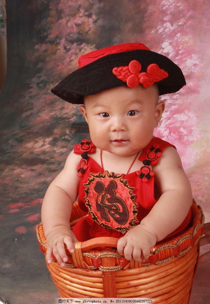 可爱宝宝 男孩子 半岁 名星 红衣服 儿童 幼儿 儿童幼儿 摄影