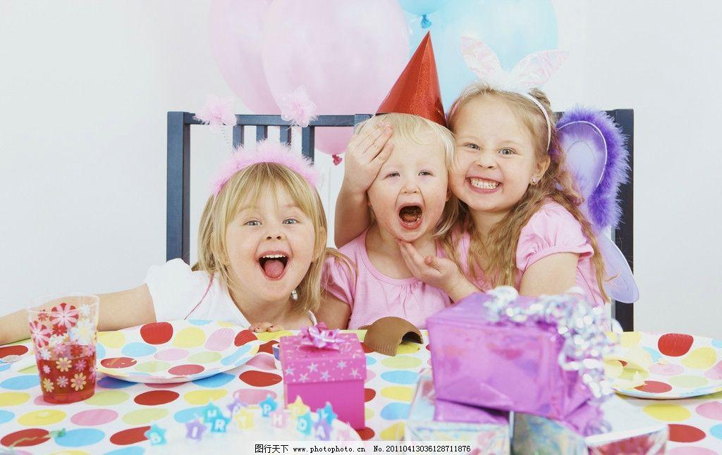 小女孩过生日图片