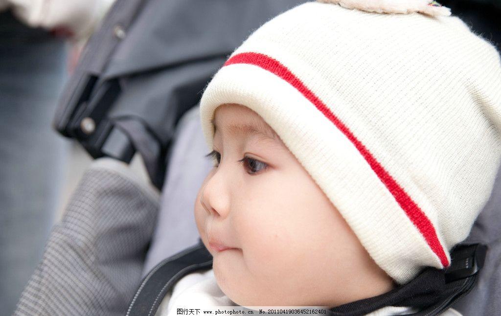 眼睛大皮肤白可爱的小男生图片