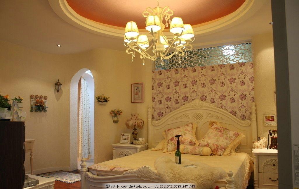 卧室 简单欧式 欧式风格 暖色调 简欧 沙发 拱门 雕花 床头背景墙