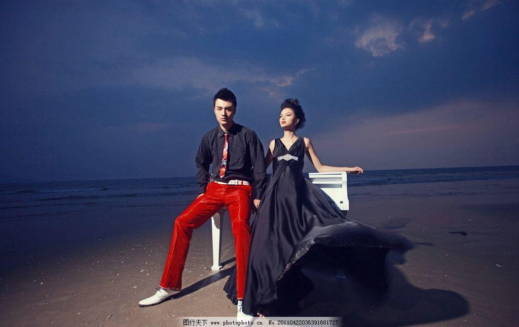 婚纱照 海南三亚 海边 海景 沙滩 钢琴 人物摄影
