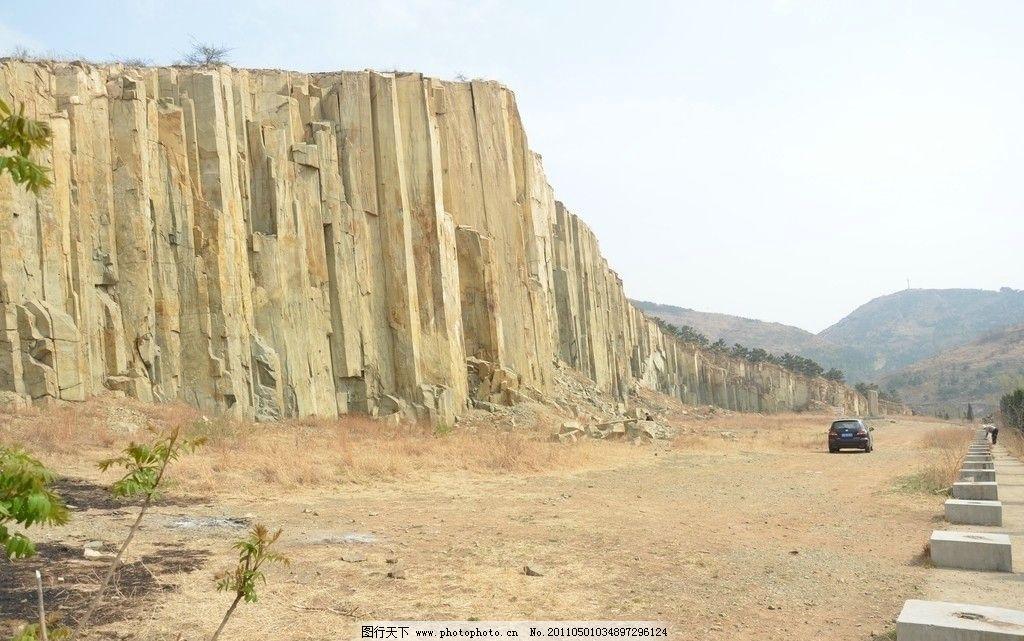 马山石林 自然风光 青岛即墨市 地壳变动 岩浆冷凝 四方柱状节理 成林