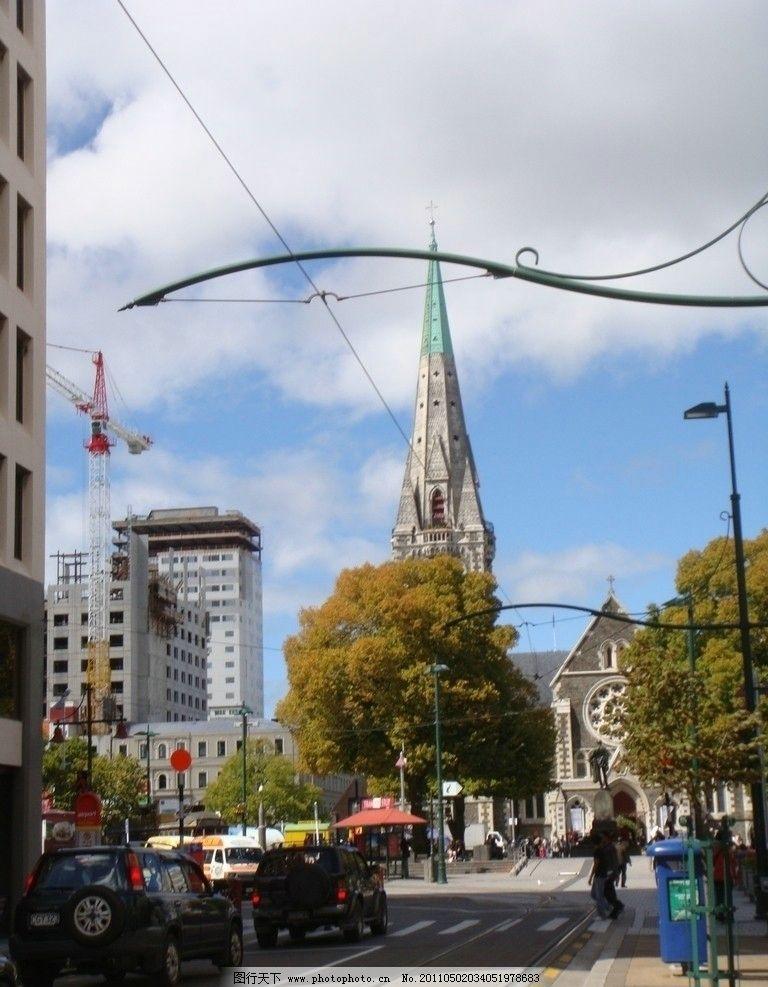新西兰建筑和自然风景 马路 汽车 阳光明媚 树木 绿色 线 国外旅游
