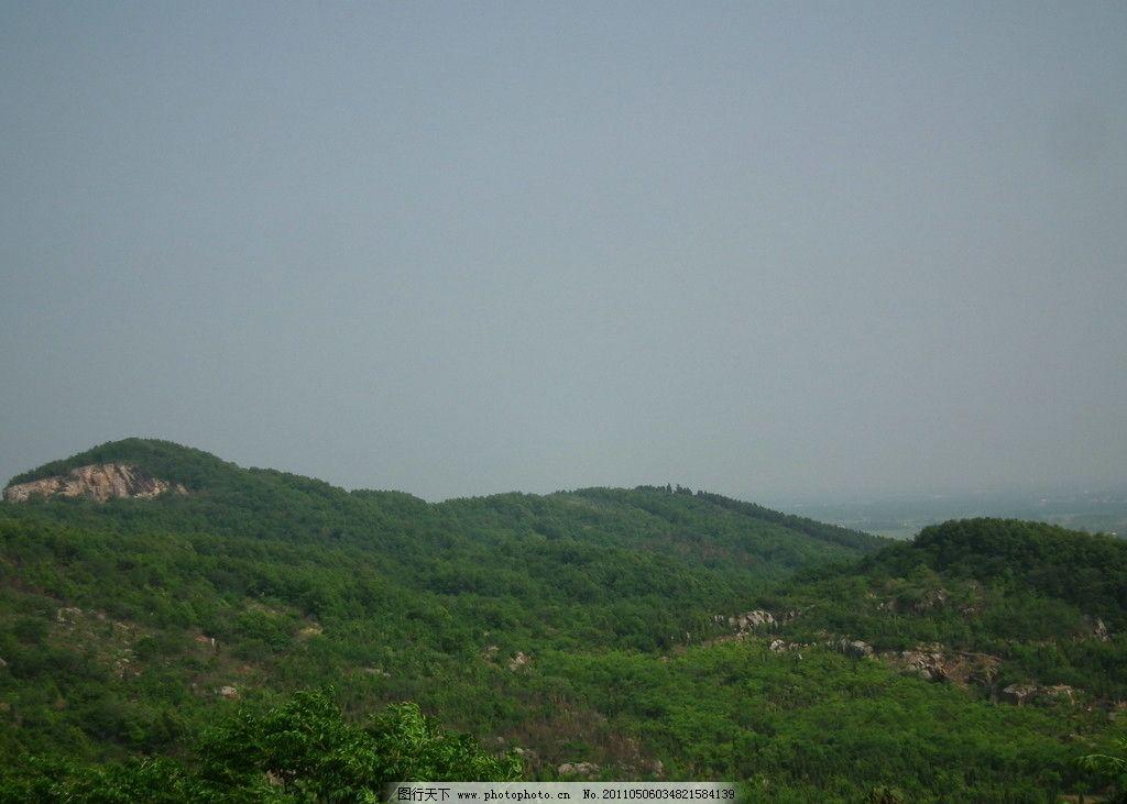 洞山美丽的风景 绿荫荫的山体 绿树 蓝蓝的天 自然风景 自然景观 摄影