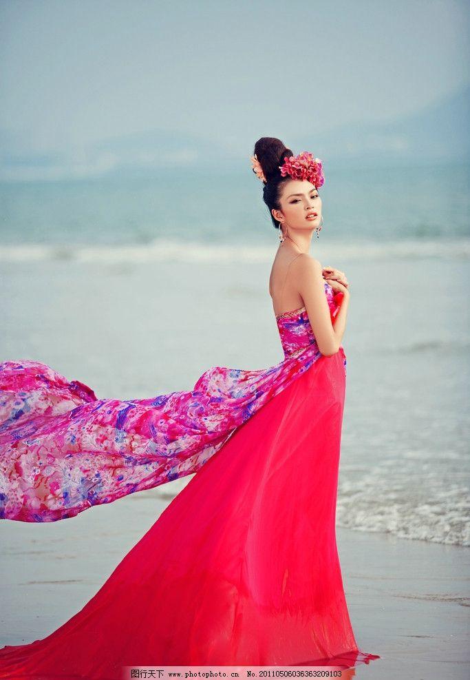 婚纱照 海南三亚 海边 海景 蓝天白云 沙滩 人物摄影