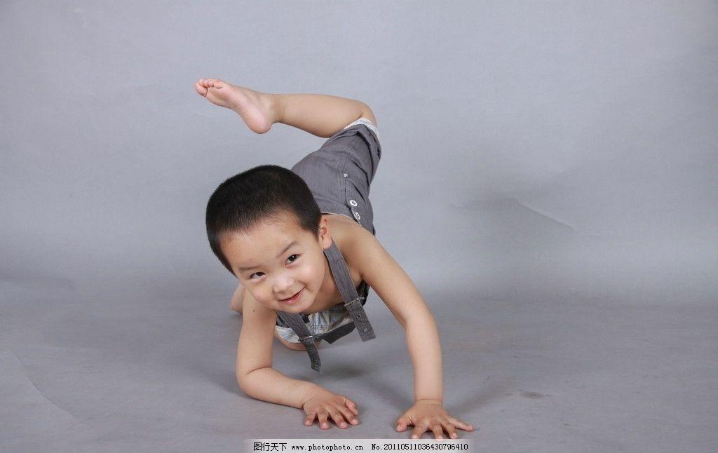 顽皮的宝宝 淘气 小帅哥 儿子 可爱的宝宝 儿童幼儿 摄影