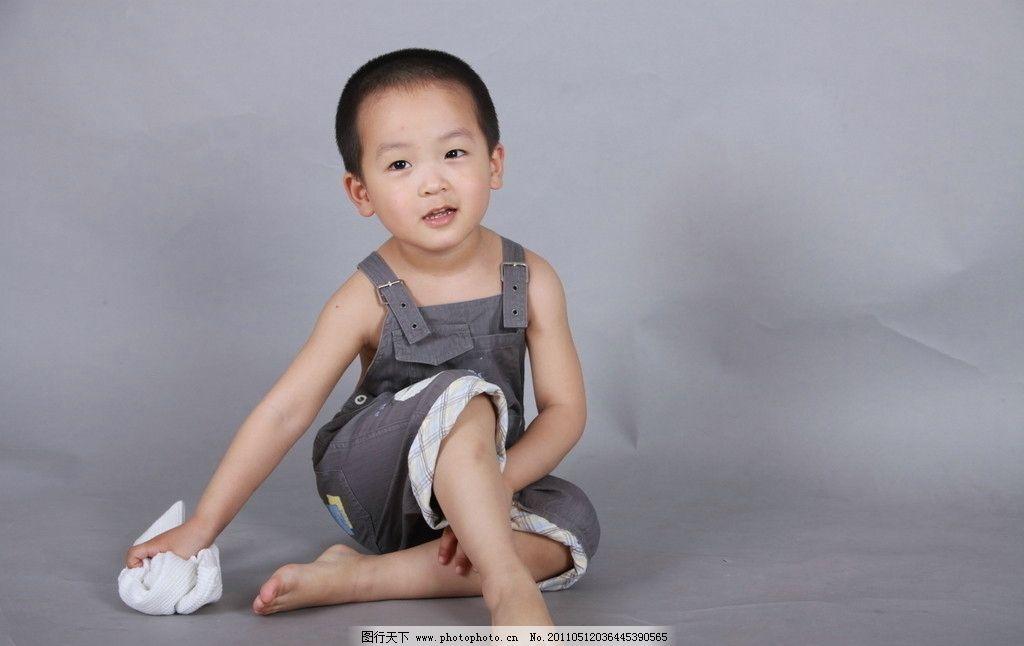 休息的宝宝 宝宝 小帅哥 4岁 小脚丫 可爱的宝宝 儿童幼儿 人物图库