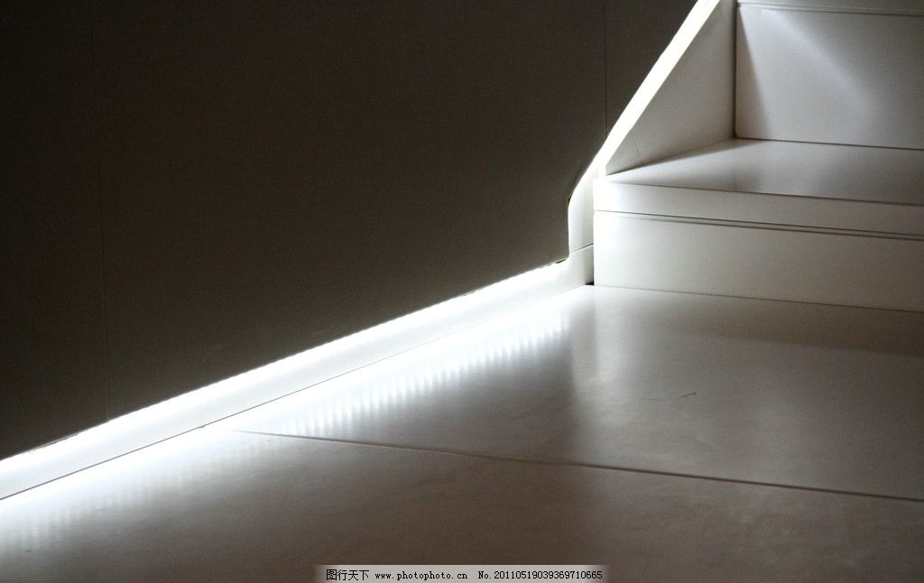 灯光艺术 灯光广告效果图 透光效果 灯光 灯光效果 光照 黑白世界