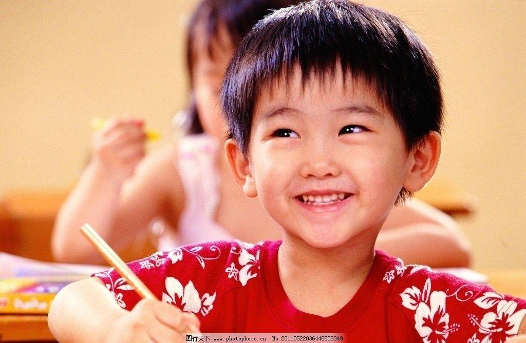 开心果 童趣 儿童 小孩 阅读 笑容 牙齿 儿童幼儿 人物图库 摄影 72