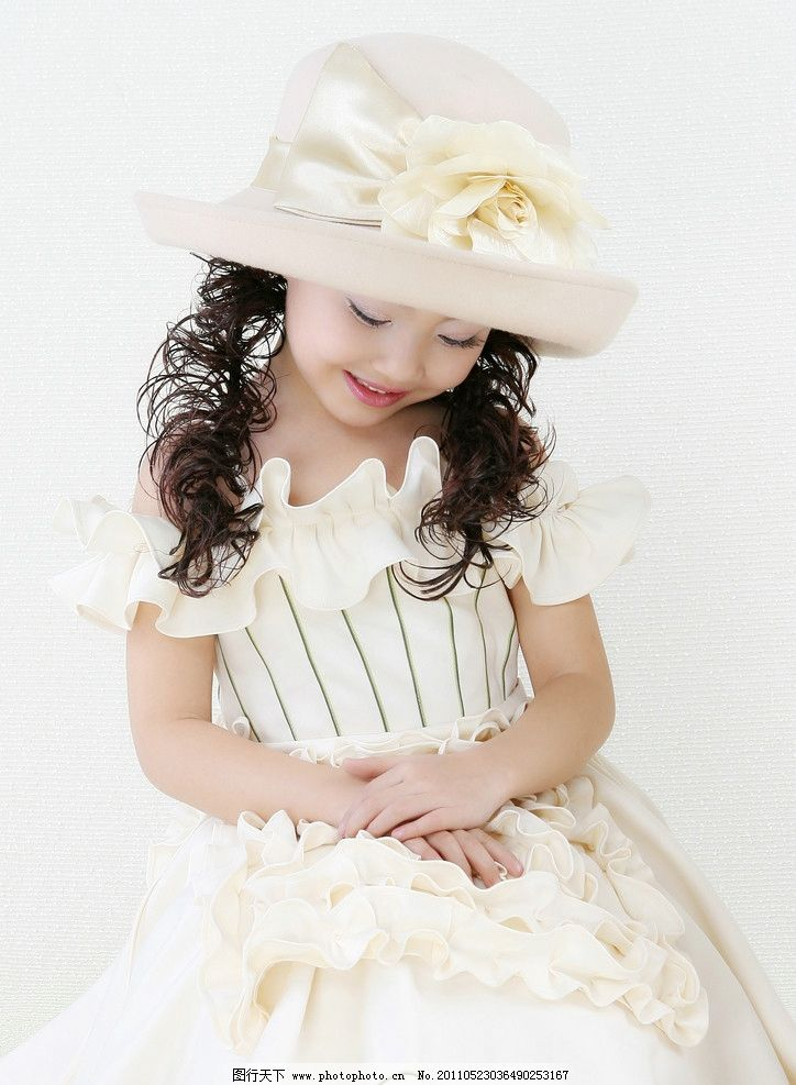 腼腆女生 害羞女孩 可爱女生 儿童幼儿 人物图库 摄影 300dpi jpg