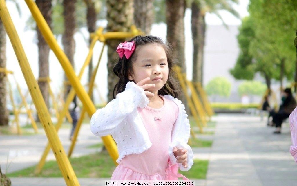 羞涩小女孩 小女孩 羞涩 纯洁 可爱 儿童幼儿 人物图库 摄影 300dpi