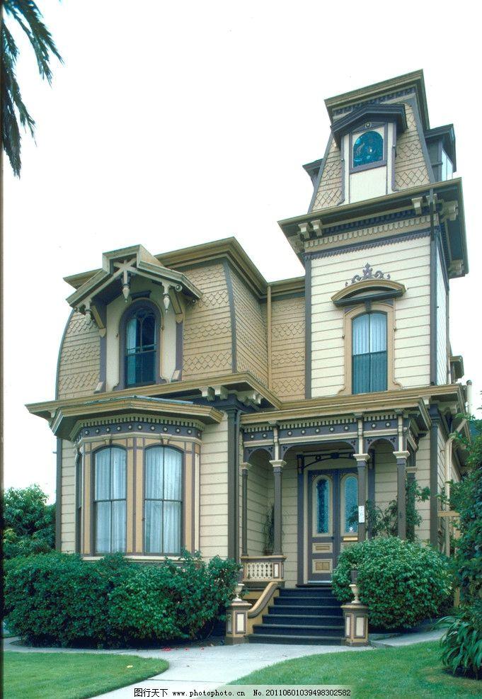 欧式别墅 别墅 瓦 窗 梯 地板 草 花 红 蓝 摄影 砖 绿色 小路 窗帘