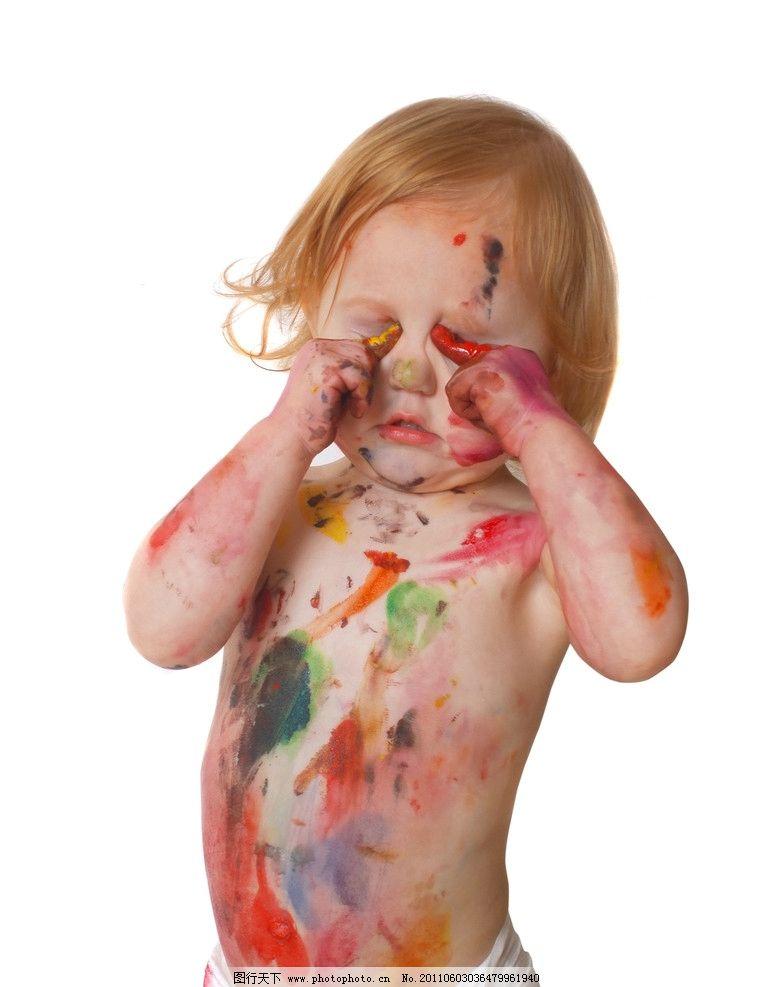 幼儿 油漆 涂料 七彩 花样 涂画 色彩 可爱儿童 油墨 颜料 儿童幼儿