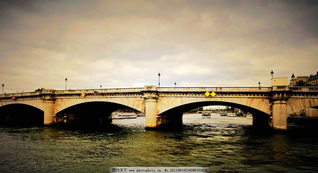 欧洲 法国 巴黎 城市 塞纳河 桥梁 建筑 黄昏 树木 风景 欧洲风光图片