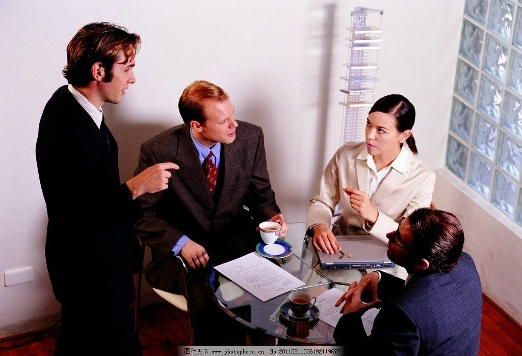 办公室人物 业务洽谈 交流 外国人 男士 女士 人物摄影 摄影图片