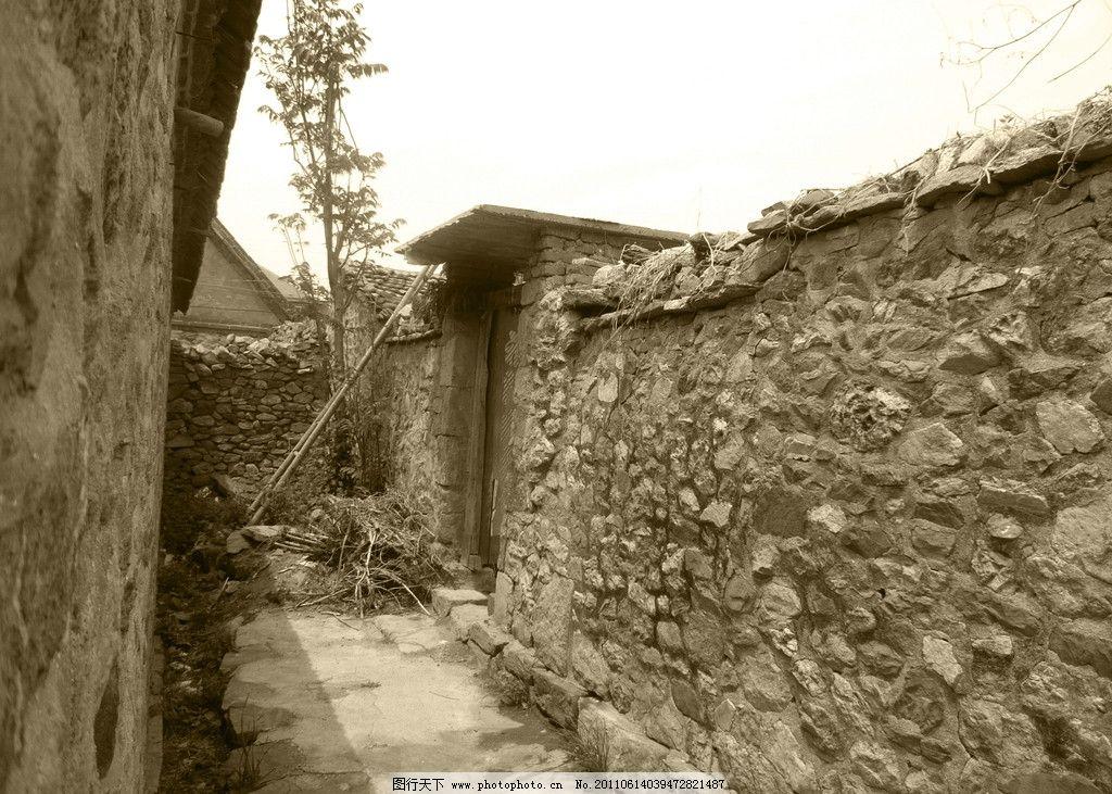 乡村角落 古村 黑白 树木 墙壁 古典建筑旧照片 建筑摄影 建筑园林