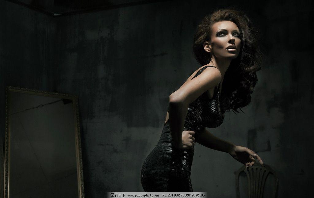 笑容 笑脸 气质 写真 头发造型 发型 发艺 妆容 妆面 美发 美女模特图片
