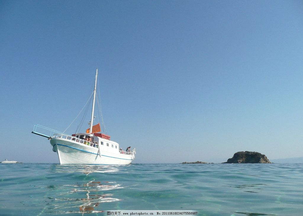 地中海手绘帆船