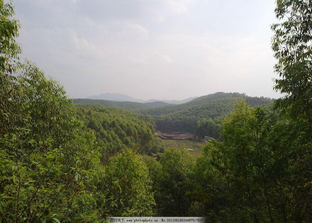 大山里的田野图片_山水风景
