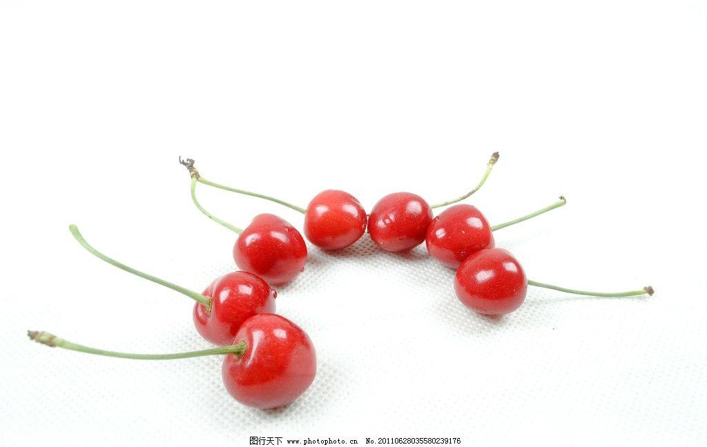 一圈樱桃 可爱 樱桃 红彤彤 可口 水果 生物世界 摄影 300dpi jpg